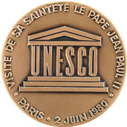 http://portal.unesco.org/fr/files/26453/11127916339JohnPaul_250r.jpg/JohnPaul_250r.jpg
